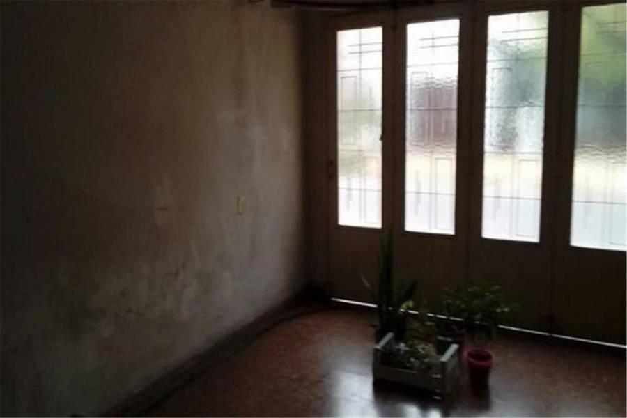 G.B.A. Zona Norte, Buenos Aires, Argentina, 2 Habitaciones Habitaciones, ,1 BañoBathrooms,Casas,Venta,Beruti,1036