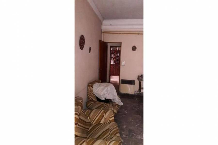 G.B.A. Zona Norte, Buenos Aires, Argentina, 3 Habitaciones Habitaciones, ,1 BañoBathrooms,Casas,Venta,Chacabuco,1037