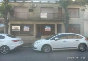 G.B.A. Zona Oeste, Buenos Aires, Argentina, 3 Habitaciones Habitaciones, ,1 BañoBathrooms,Casas,Venta,Santa Fe Av.,1038