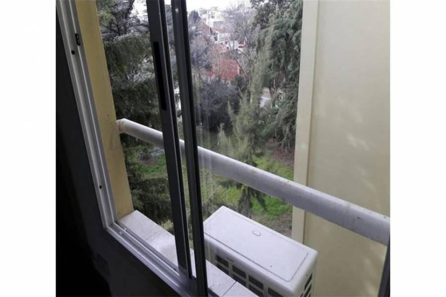 G.B.A. Zona Oeste, Buenos Aires, Argentina, 2 Habitaciones Habitaciones,2 BathroomsBathrooms,Duplex/Triplex,Venta,Juan Xxiii,1042