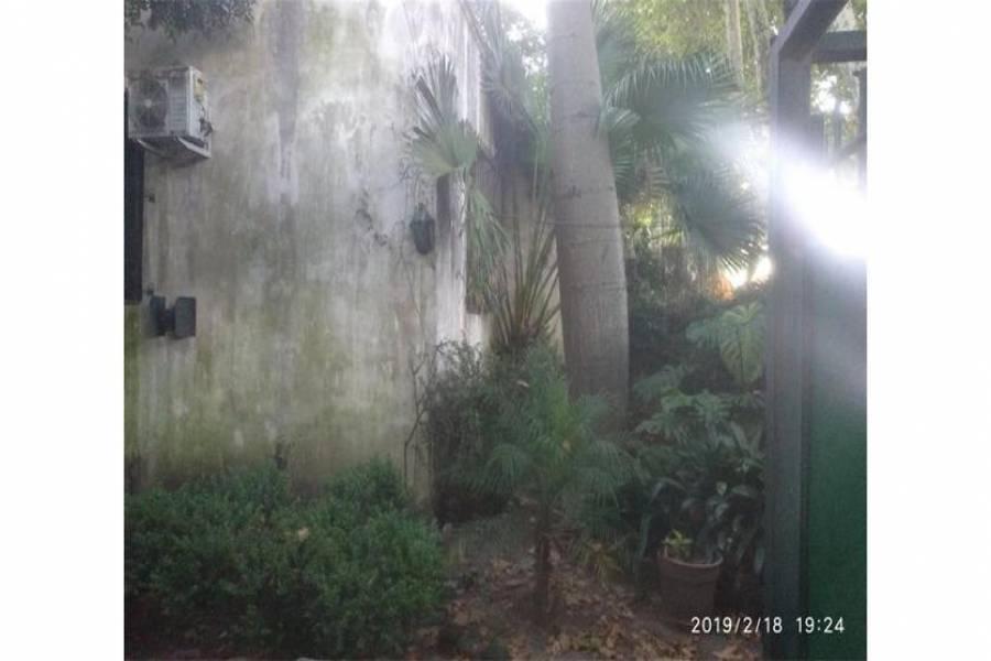 G.B.A. Zona Norte, Buenos Aires, Argentina, 3 Habitaciones Habitaciones, ,2 BathroomsBathrooms,Casas,Venta,25 de Mayo,1044