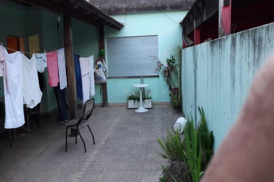 G.B.A. Zona Oeste, Buenos Aires, Argentina, 3 Habitaciones Habitaciones, ,2 BathroomsBathrooms,Casas,Venta,Martin Fierro,1,1050